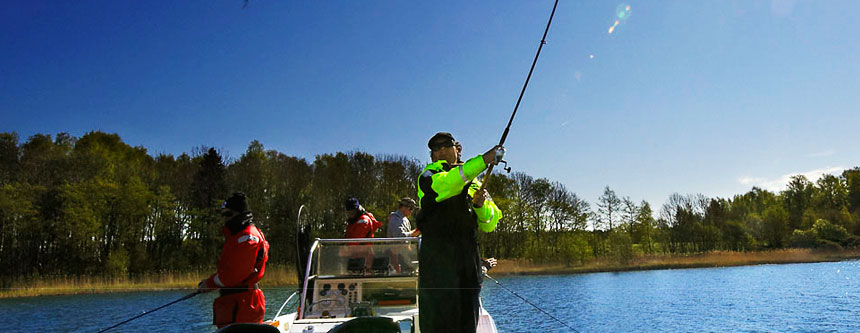 <h1>MaPa Fishing Team</h1><h2>Välkommen med på en tur i fiskeparadiset!</h2>